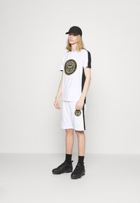 Glorious Gangsta - ALFARO TEE - Print T-shirt - optic white - 1