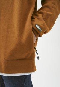 PULL&BEAR - Sweatshirt - mottled brown - 4