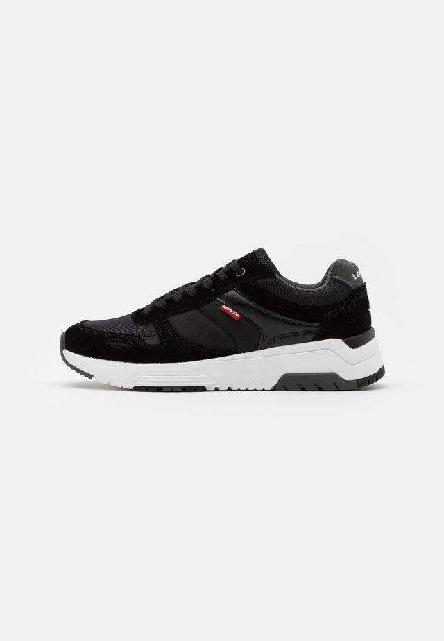 PINECREST - Sneaker low - regular black