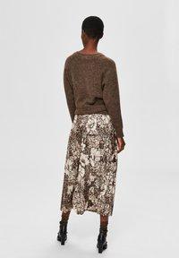 Selected Femme - A-line skirt - sandshell - 2