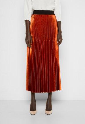 BAULE - Plisovaná sukně - orange