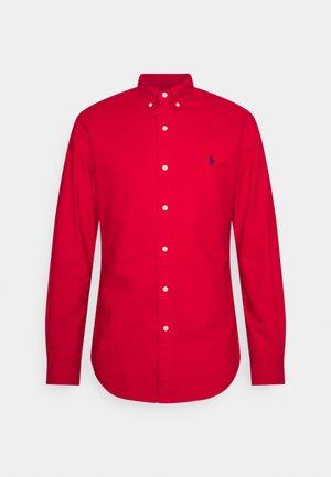 SLIM FIT OXFORD SHIRT - Shirt - red