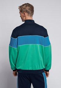 Hummel - LIAM - Fleece jumper - marine/green - 2