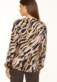comma - Tunic - black zebra lines - 2