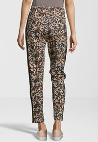 miss goodlife - Trousers - brown - 1