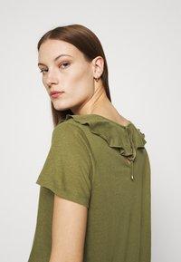 Mos Mosh - FLOUNCE TEE - Basic T-shirt - capulet olive - 3