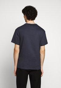 Filippa K - BRAD - Jednoduché triko - ink blue - 2
