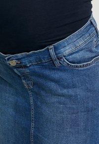 Esprit Maternity - SKIRT - Spódnica jeansowa - medium wash - 4