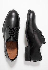 Selected Homme - SLHLOUIS DERBY SHOE - Smart lace-ups - black - 1
