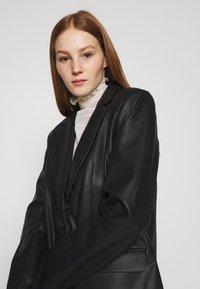 NA-KD - MATIAMU BY SOFIA - Short coat - black - 3