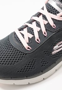 Skechers Sport - FLEX APPEAL 3.0 - Sneakers laag - charcoal/pink - 2