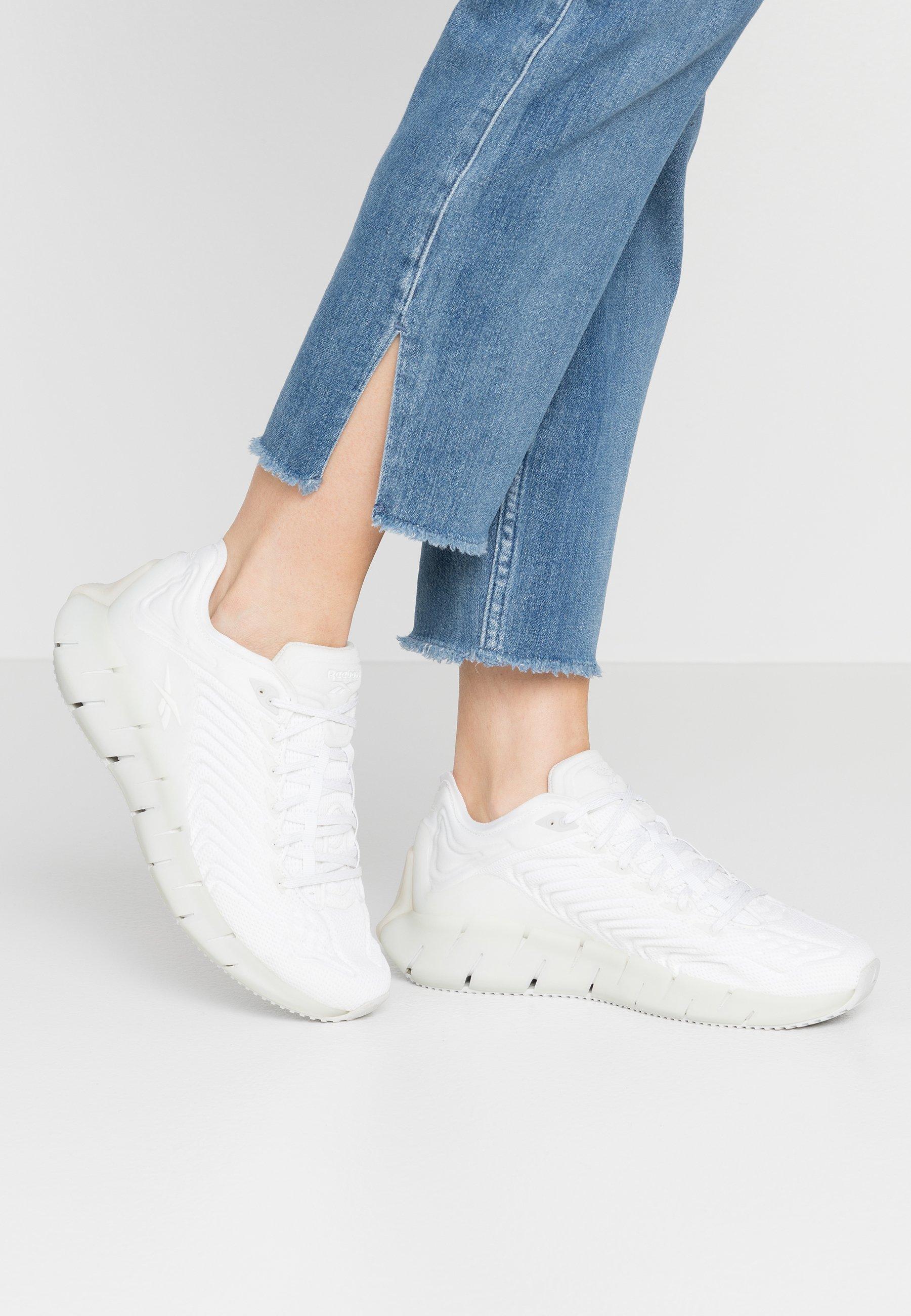 Gutes Angebot Reebok Classic ZIG KINETICA - Sneaker low - white/trace grey | Damenbekleidung 2020