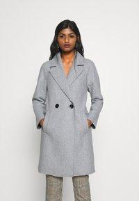 ONLY Petite - BERNA BONDED COAT - Zimní kabát - light grey melange - 0