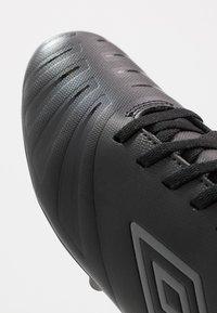 Umbro - UX ACCURO III CLUB FG - Moulded stud football boots - black/carbon - 5