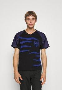KOCHÉ - Camiseta estampada - black - 0