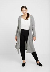 New Look Curves - CARDI - Chaqueta de punto - grey - 0