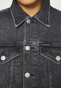 Calvin Klein Jeans - CROPPED JACKET - Denim jacket - denim grey - 6