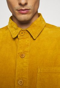 Lindbergh - Summer jacket - dark yellow - 6