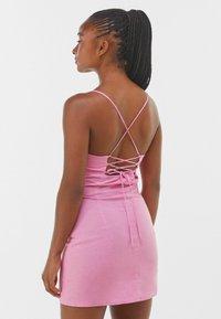Bershka - Pouzdrové šaty - pink - 2