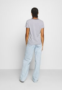 Levi's® - PERFECT V NECK - T-shirts basic - blue indigo
