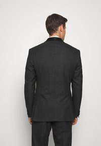 Isaac Dewhirst - RECYCLED TUX SLIM FIT - Completo - black - 3
