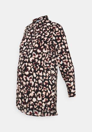 PCMFALISHI LONG SHIRT - Button-down blouse - black