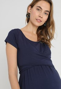 JoJo Maman Bébé - MATERNITY & NURSING WRAP DRESS - Jerseyjurk - midnight blue - 6
