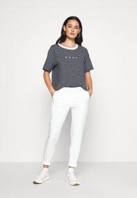 Roxy - INFINITY IS BEAUTIFUL - Print T-shirt - mood indigo - 1