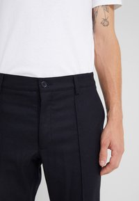 YMC You Must Create - HAND ME DOWN TROUSER - Trousers - navy - 5
