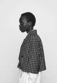 Vivienne Westwood - CROPPED JACKET - Blazer - black - 4
