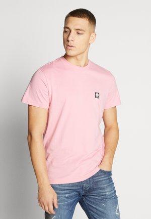 TEE CORE BRAND - T-shirt imprimé - coral sun