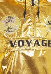 Alpha Industries - VOYAGER NASA ANORAK - Veste légère - gold - 5