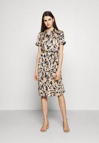 Vero Moda - VMHAILEY DRESS - Shirt dress - hailey - 0