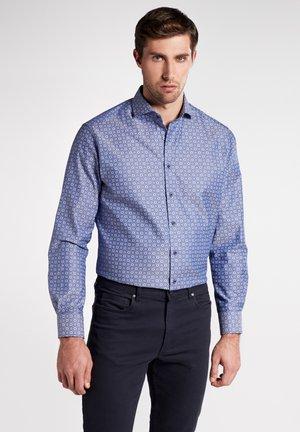 MODERN FIT - Shirt - navy blue