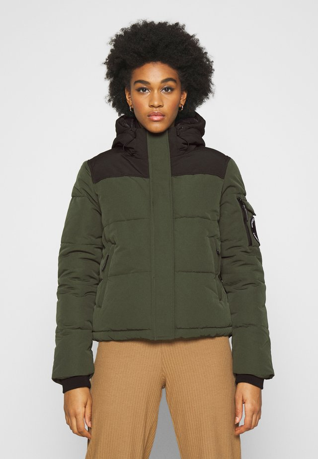 QUILTED EVEREST JACKET - Kurtka zimowa - army khaki