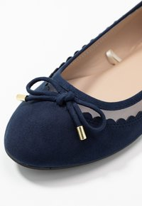 Dorothy Perkins Wide Fit - WIDE FIT PIPPASCALLOP ROUND TOE  - Ballet pumps - navy - 2