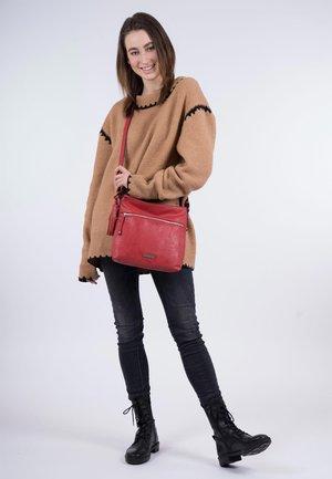 FRANZY - Across body bag - red