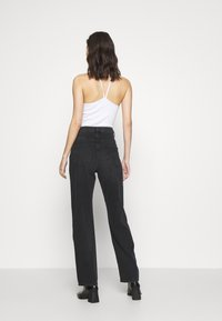 NU-IN - HIGH RISE STRAIGHT  - Straight leg jeans - black - 2