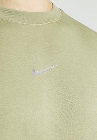 Nike Sportswear - CREW - Sweatshirt - medium khaki - 6