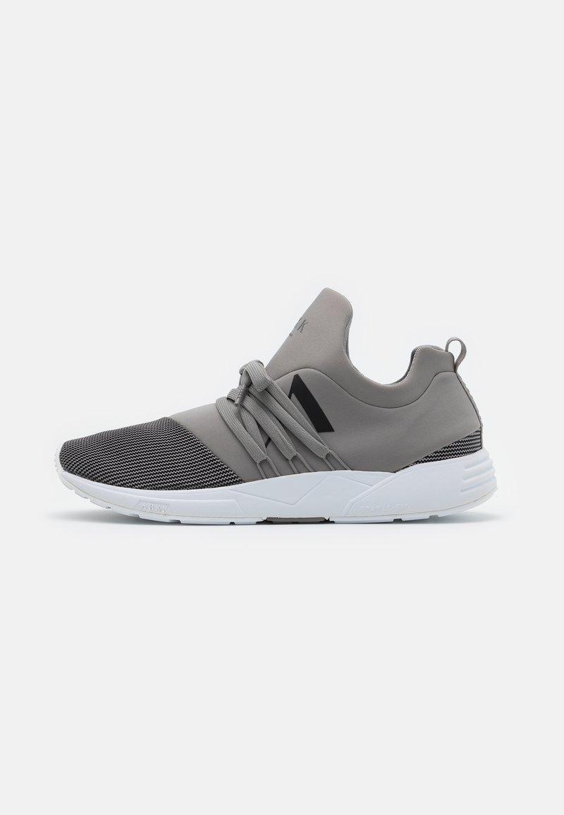 ARKK Copenhagen - RAVEN S-E15 - Trainers - silver/grey/black