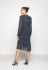Modström - TINYA PRINT DRESS - Skjortekjole - black/light blue