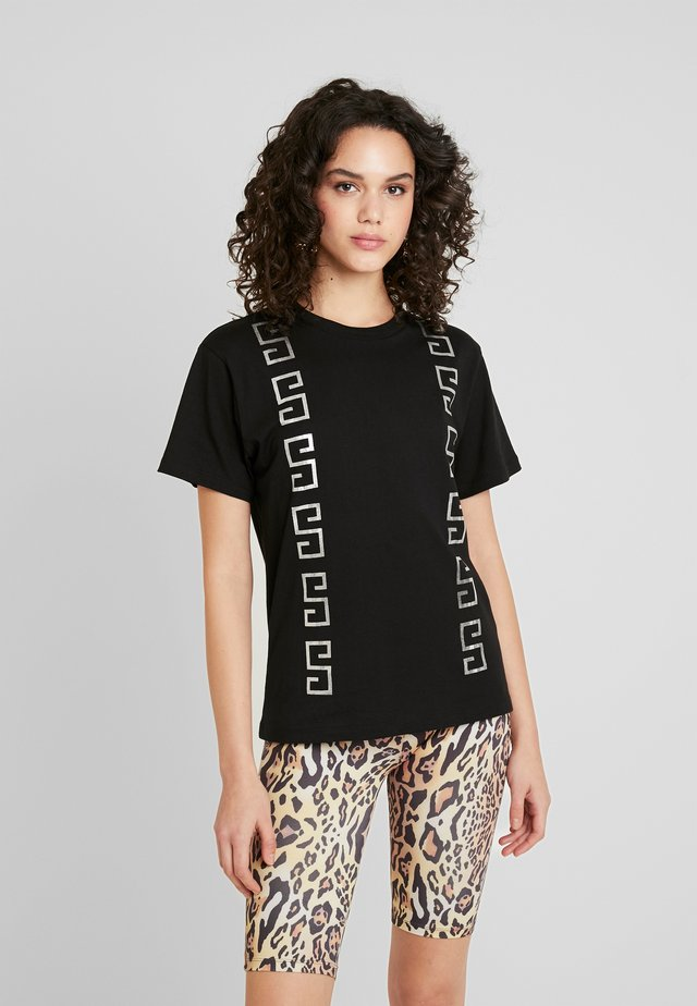 POLLY - Camiseta estampada - black