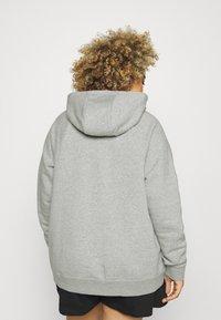 Nike Sportswear - Sweatshirt - grey heather/matte silver/white - 2