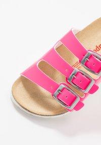 Superfit - FUSSBETTPANTOFFEL - Pantuflas - pink - 5