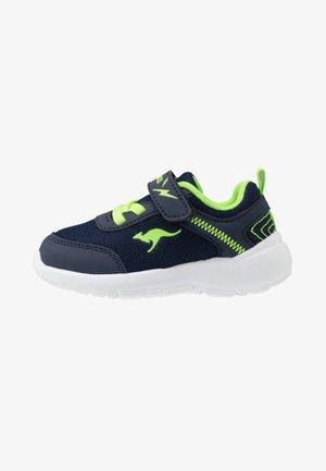 KY-FLIGHT EV - Sneakersy niskie - dark navy/lime