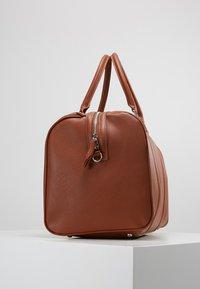 Valentino by Mario Valentino - FILIPPO - Weekend bag - dark cognac - 4