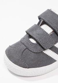 adidas Originals - GAZELLE - Trainers -  dgh solid grey/footwear white - 5
