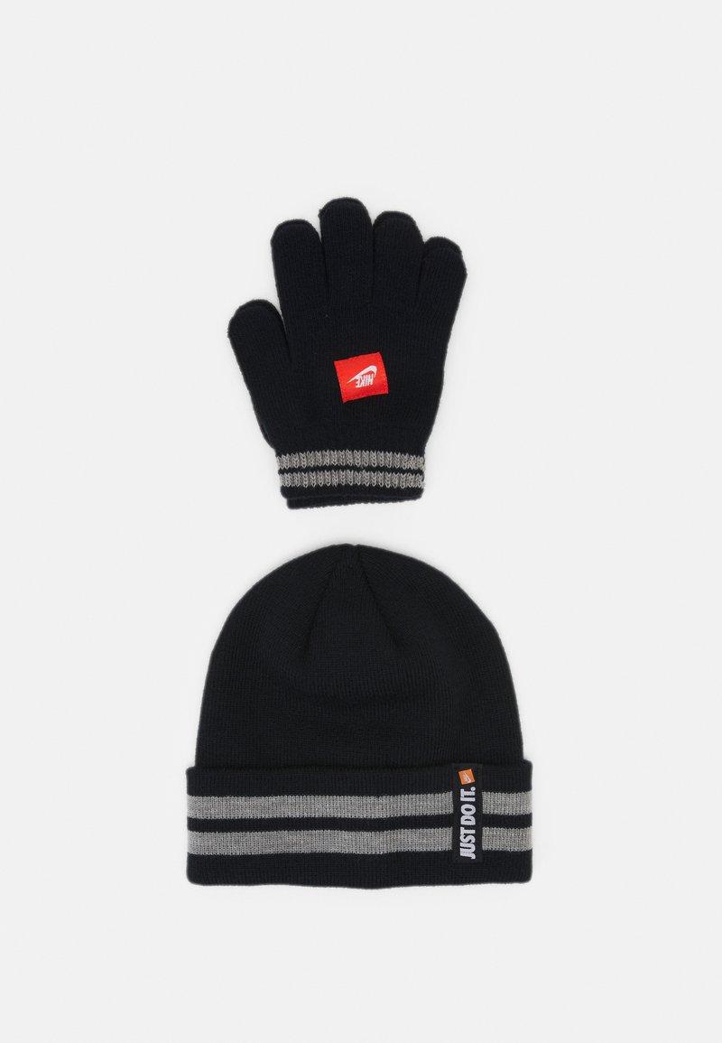Nike Sportswear - NAN JDI BEANIE GLOVE SET UNISEX - Čepice - black