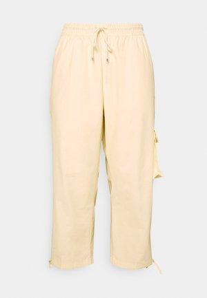 CLASH PANT - Spodnie materiałowe - coconut milk