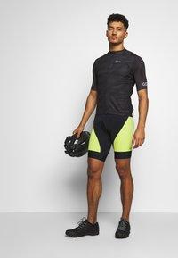 Gore Wear - GORE® C3 DESIGN TRIKOT - T-Shirt print - black - 1